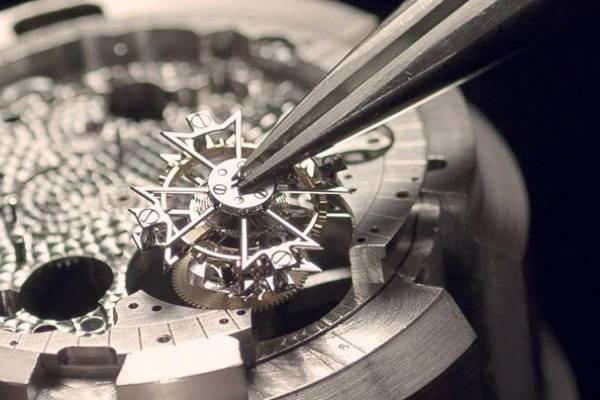 北京江诗丹顿手表维修教你保养江诗丹顿手表表带